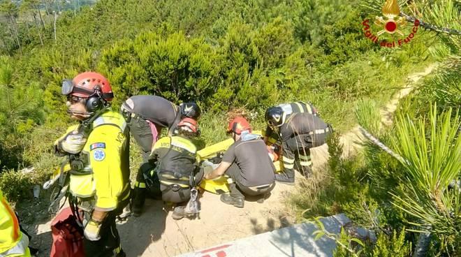 vigili del fuoco soccorso escursionista monte gazzo