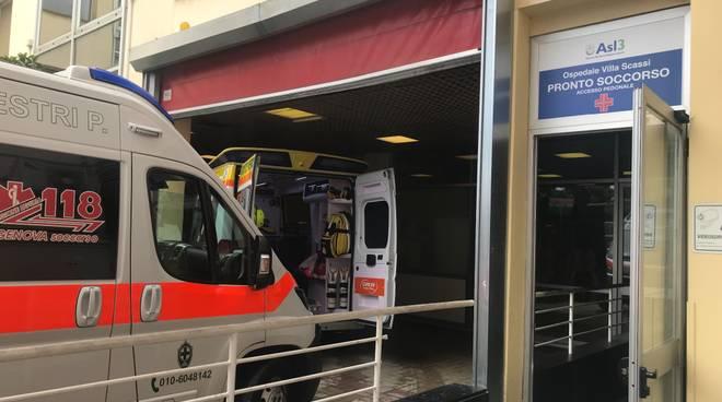 Ambulanza giorno pronto soccorso Villa scassi generica