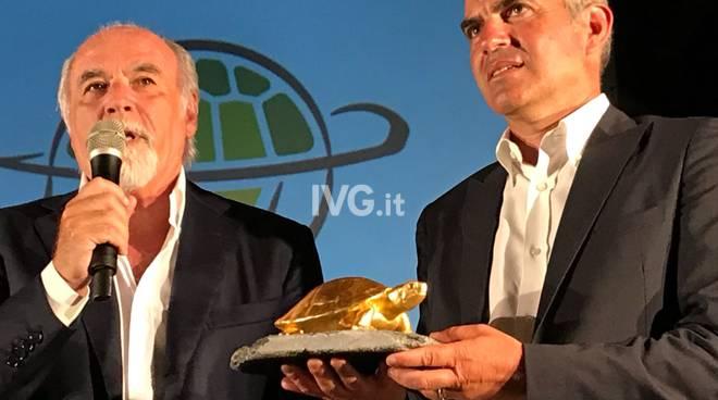 """Antonio Ricci ritira il premio """"Emys Award"""" 2018"""