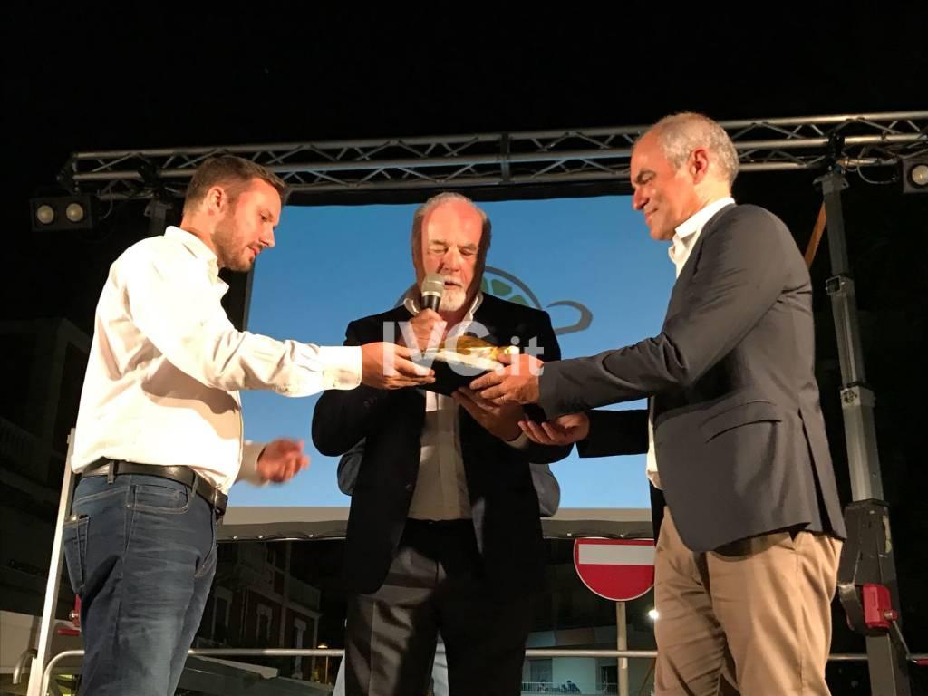Antonio Ricci ritira il premio