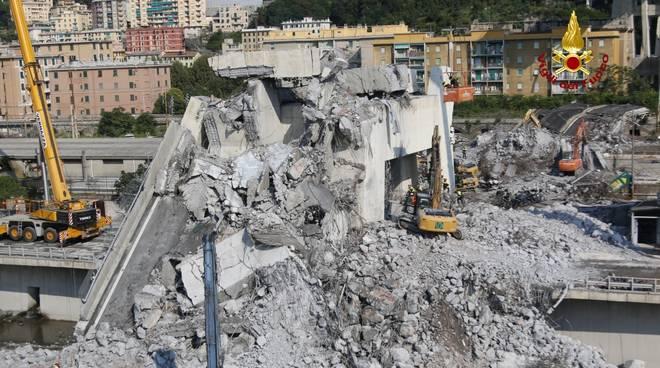 Crollo ponte Morandi, le immagini inedite della Guardia di Finanza