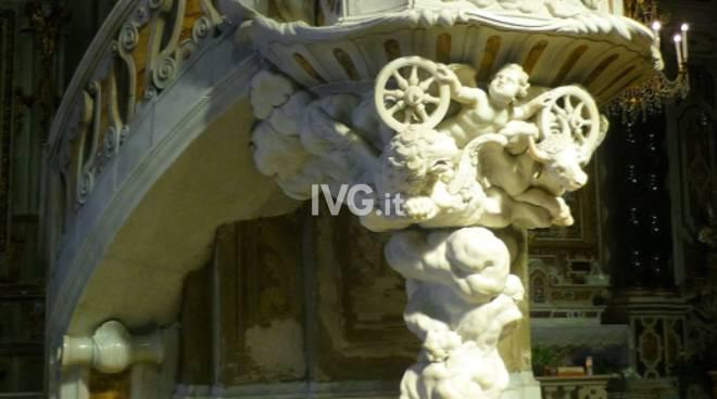 Luci  in Basilica