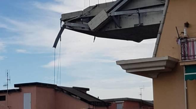 Foto cantiere ponte Morandi vigili fuoco zeggio