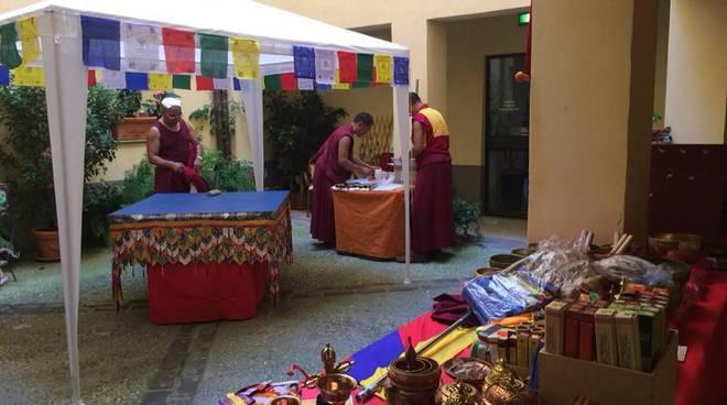 Monaci tibetani chiostro Palazzo Oddo
