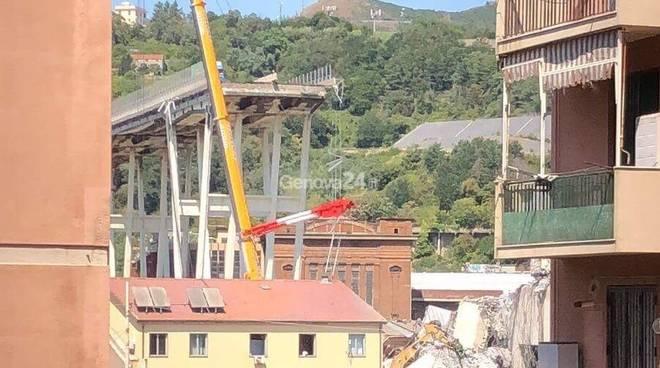 Ponte Morandi, dentro la zona rossa