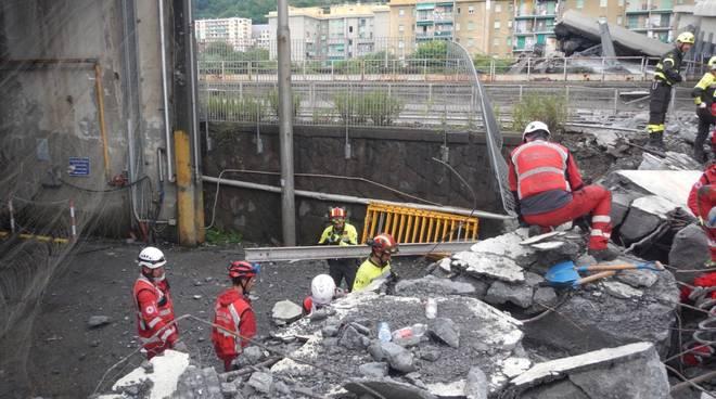 ponte morandi soccorsi croce rossa
