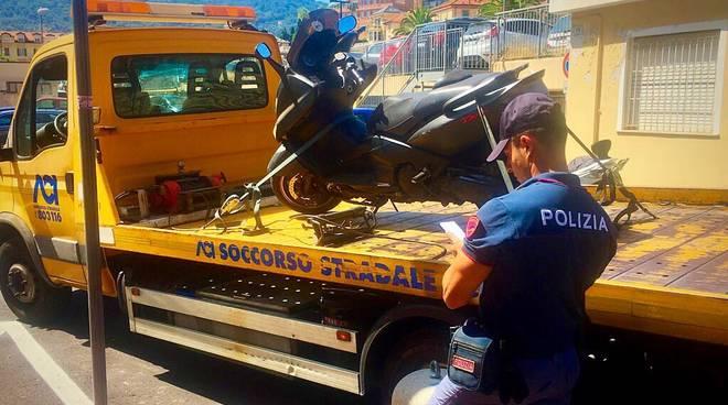 scooterone carro attrezzi rimozione polizia