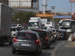 Traffico ancora in tilt stamattina nel ponente genovese .