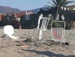 Vandalizzata la spiaggia di Vadino Albenga