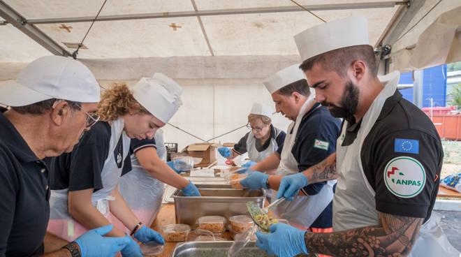 anpas, campo cucina emergenza ponte Morandi
