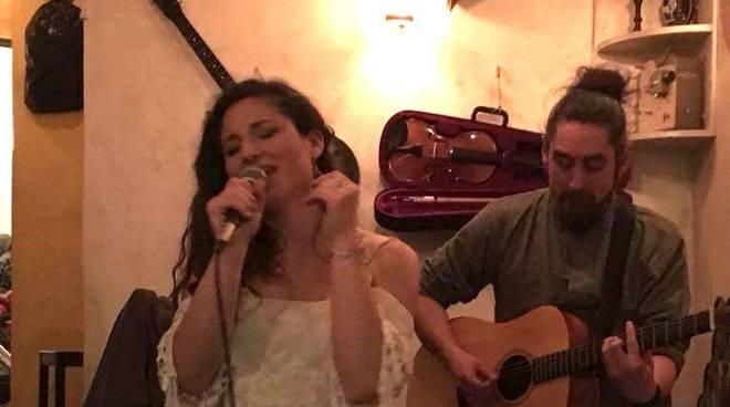 Duo acustico Zorba e Nina
