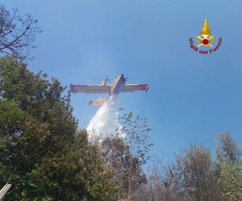 Incendio boschivo a Varazze