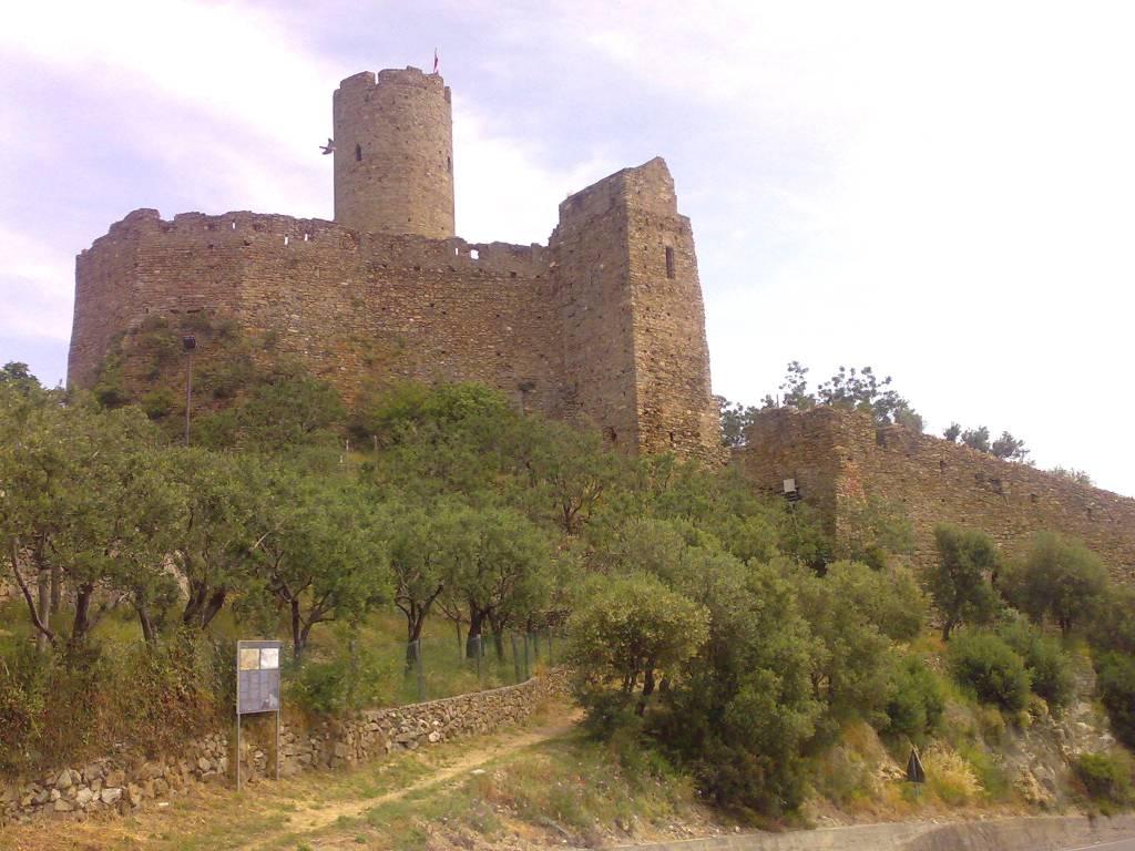 Noli Castello Monte Ursino