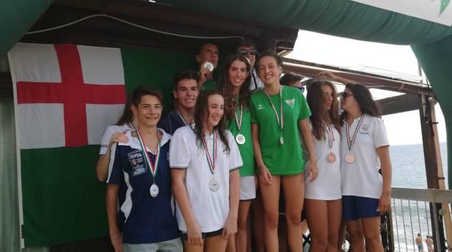 nuoto_regionale_mezzofondo_podio_staffetta