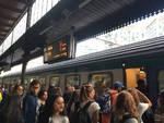 Primo giorno di scuola, calca in treno