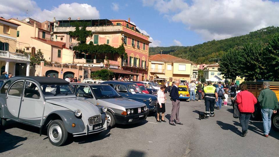 Raduno Auto e Moto d'Epoca Calice Ligure
