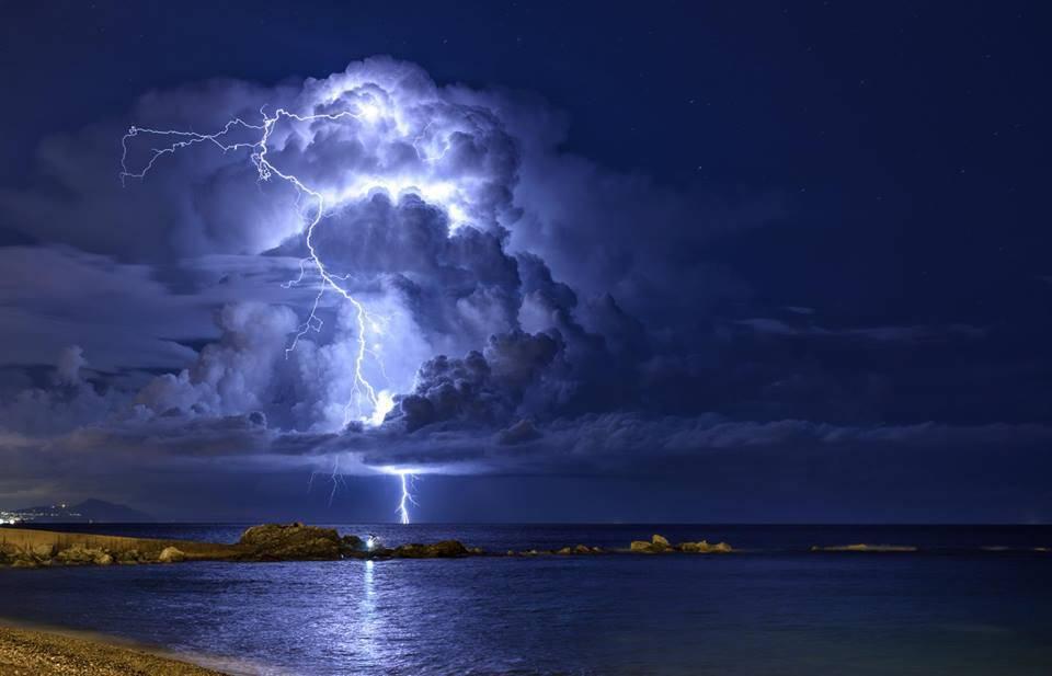 Tempesta di fulmini, Riccardo Caprara