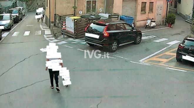 """Un """"furbetto dei rifiuti"""" sorpreso dalle telecamere a Laigueglia"""