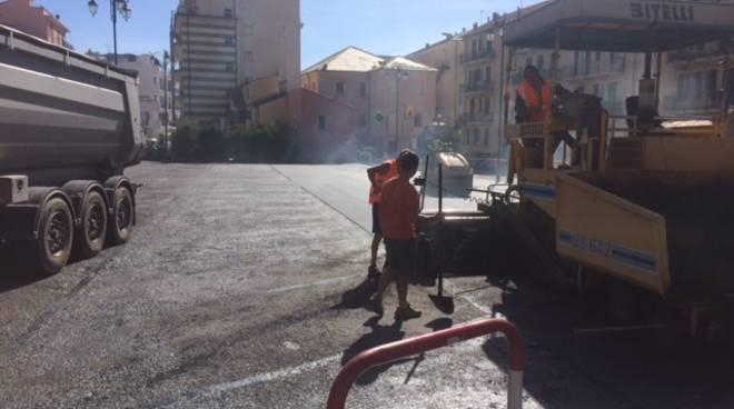 Alassio Lavori Asfaltatura Piazza Paccini