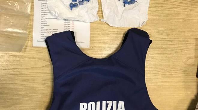 Arresto eroina polizia locale Albenga