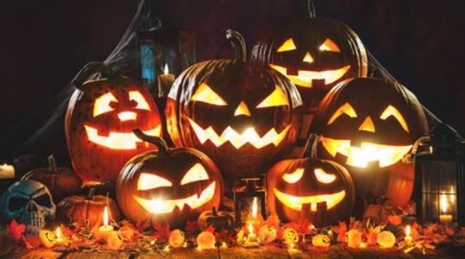 """Halloween al Caribe Club con kizombada e premiazione del costume più \""""mostruoso\"""""""