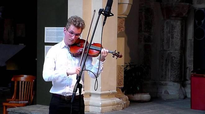 Miklós Papp ed Eliano Calamaro in concerto a Palazzo Doria Spinola nel ricordo di Paganini