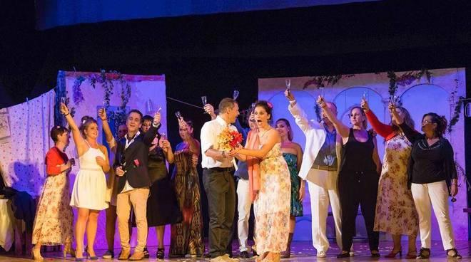 TUTTO MOLTO GRECO! - Commedia musicale liberamente ispirata al musical Mamma Mia