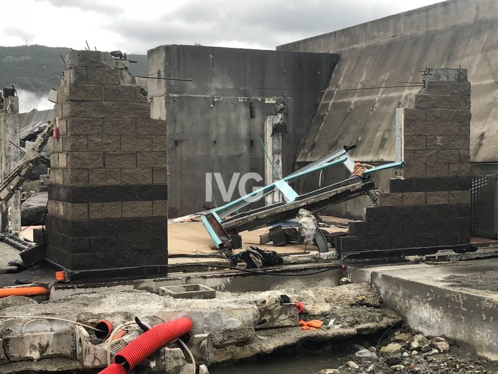 Distributore Marina Varazze distrutto