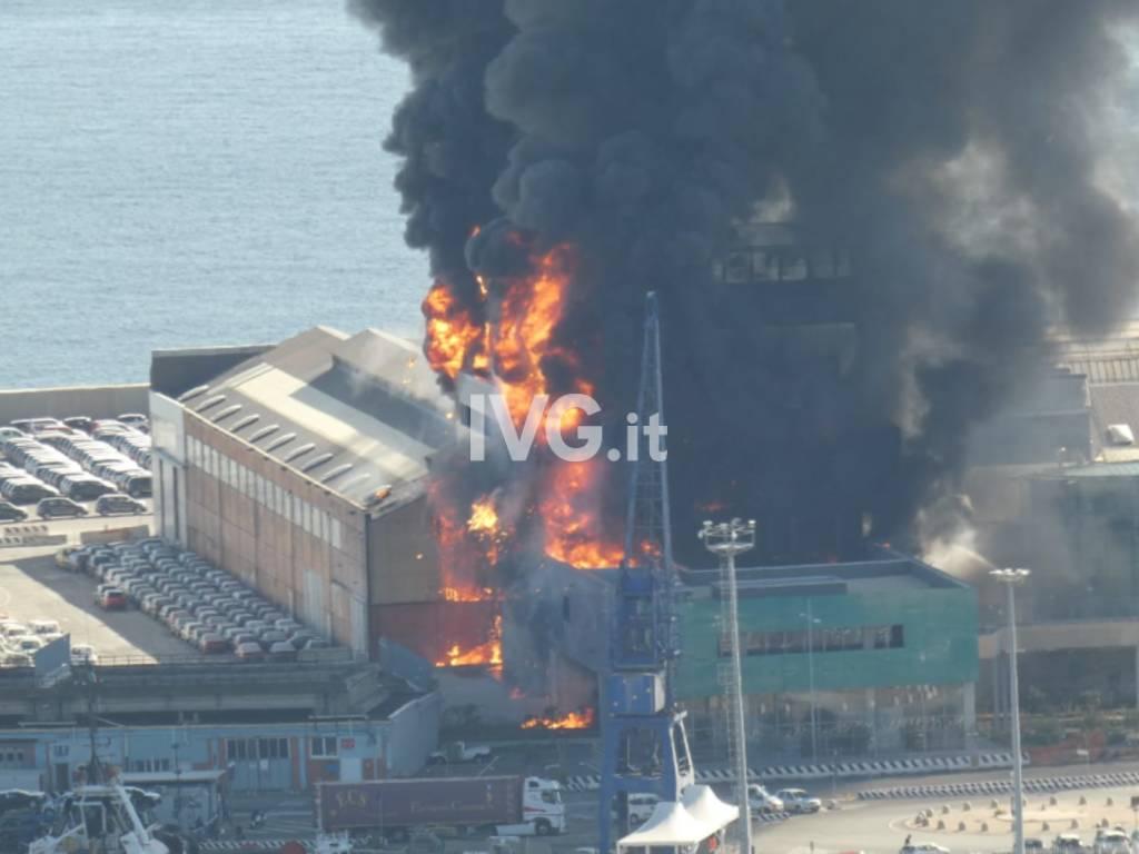 incendio autorità portuale
