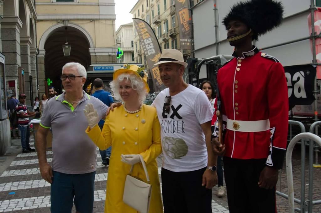"""La Regina Elisabetta a """"Le Serre"""" di Albenga per i dieci anni di Wall Street English"""