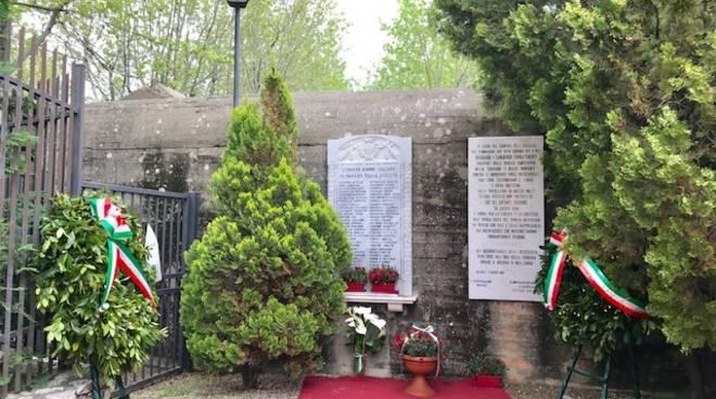 Lapide morti giugno 1945 Albenga