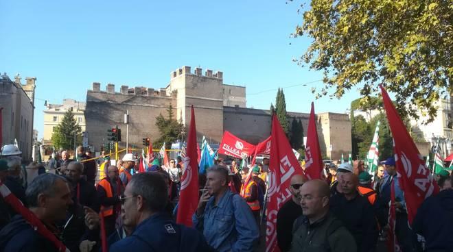 lavoratori terzo valico presidio a Roma