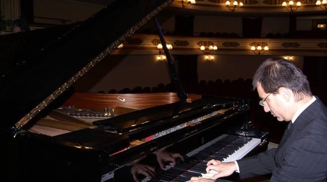 Loris Orlando pianista