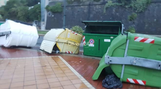 Mareggiata e tempesta in Corso Italia