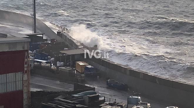 Mareggiata Savona porto