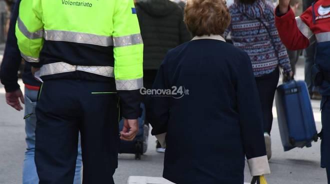 Ponte Morandi gli sfollati entrano nelle case
