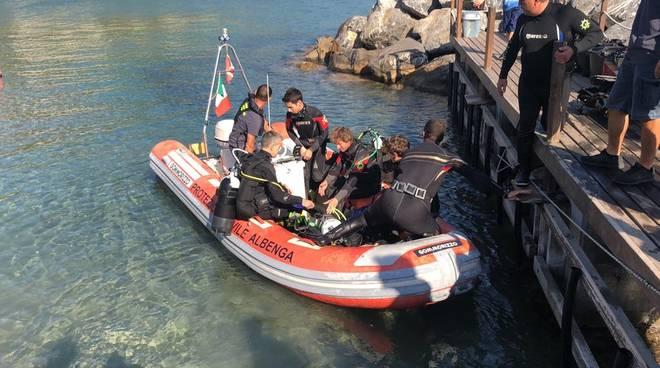 Pulizia dei fondali marini: dimostrazione della protezione civile a Laigueglia