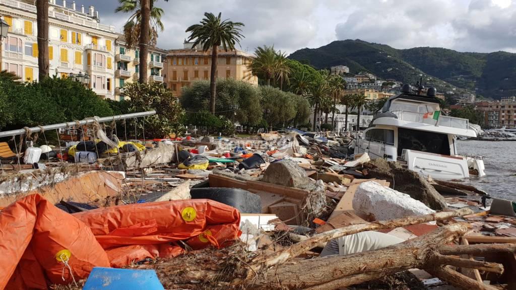Rapallo, porticciolo e passeggiata distrutti