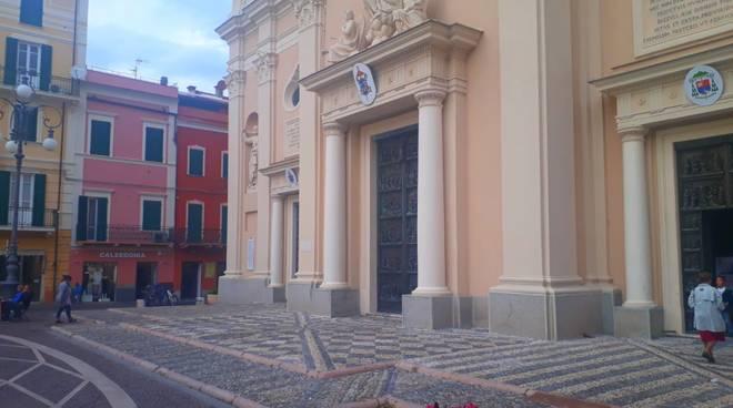 sagrato basilica san nicolò pietra