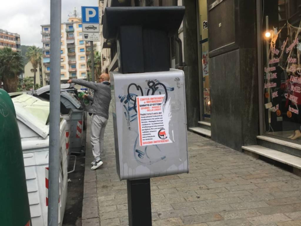 "Savona ""ricoperta"" dai volantini del corteo antifascista"