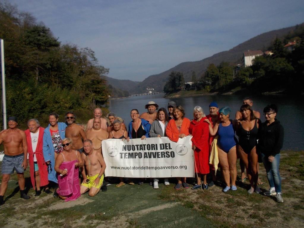 Nuotatori Tempo Avverso Lago Osiglia