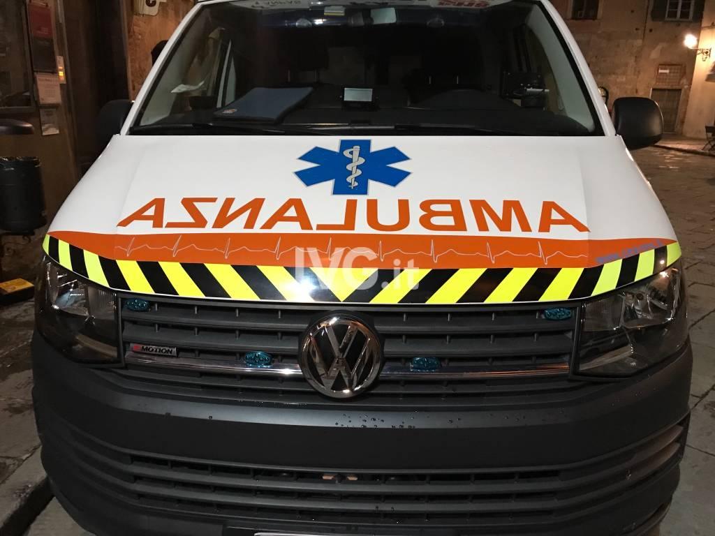 Ambulanza notte generica
