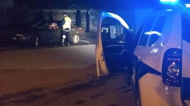 polizia locale pietra notte