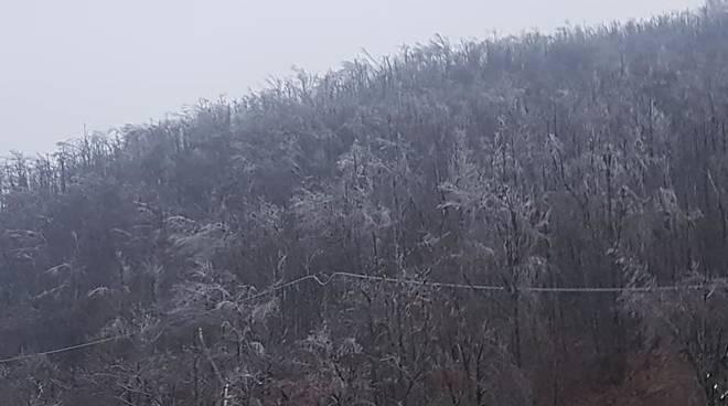 Allerta meteo per neve, in alta Valbormida cadono i primi fiocchi