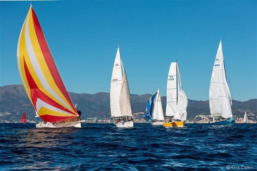 Cinquantadue barche iscritte, sole, tramontana tesa