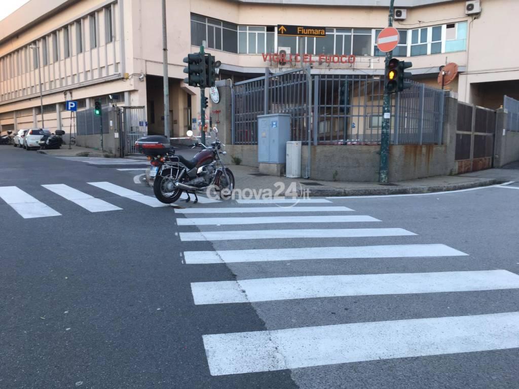 Incidente mortale moto in via Milano