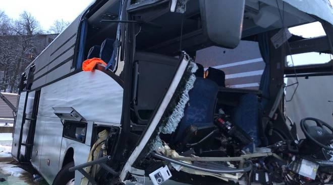 incidente zurigo pullman flixibus