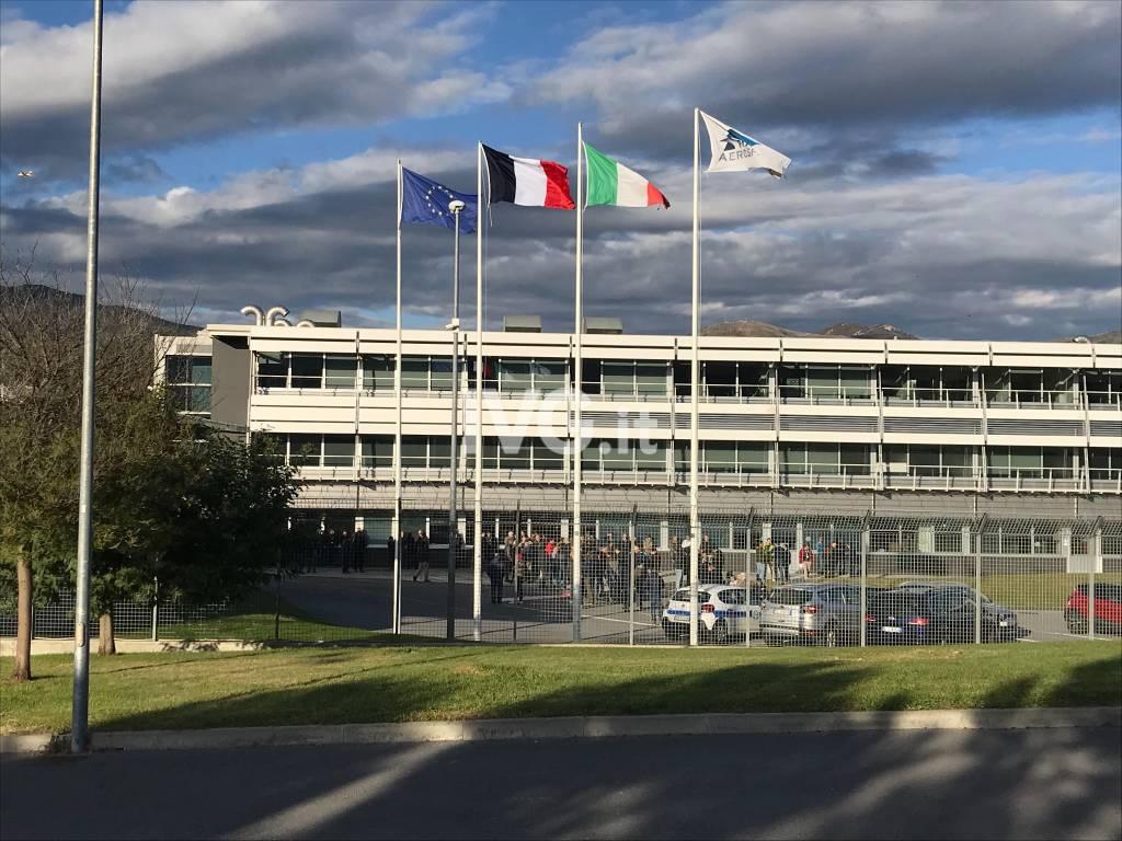 Nuova protesta dei lavoratori Piaggio a Villanova