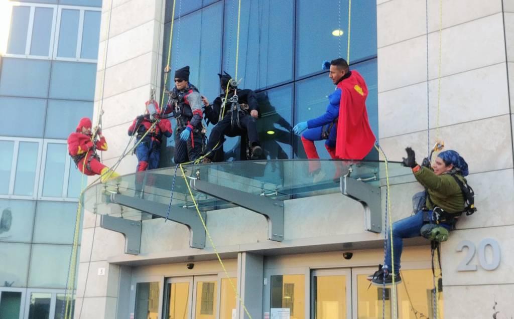 ospedale gaslini, supereroi e personaggi delle fiabe