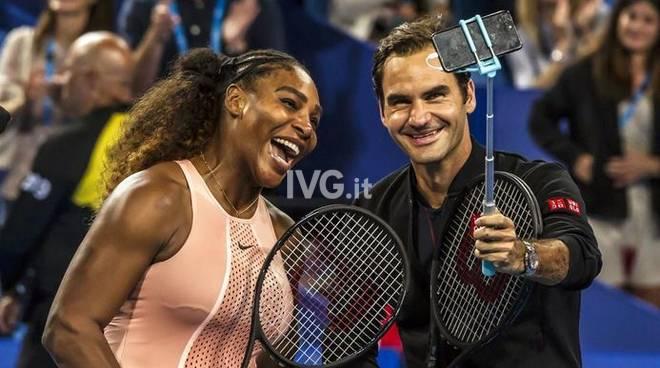 Il selfie dell'anno: Roger Federer e Serena Williams